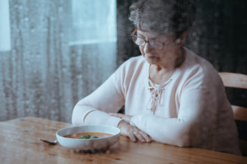 elderly people lose their appetite