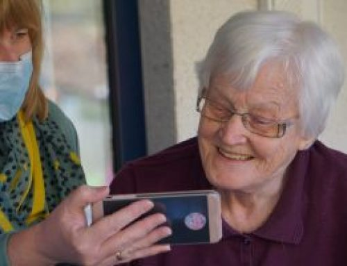 4 FREE and user-friendly video calling apps for the elderly